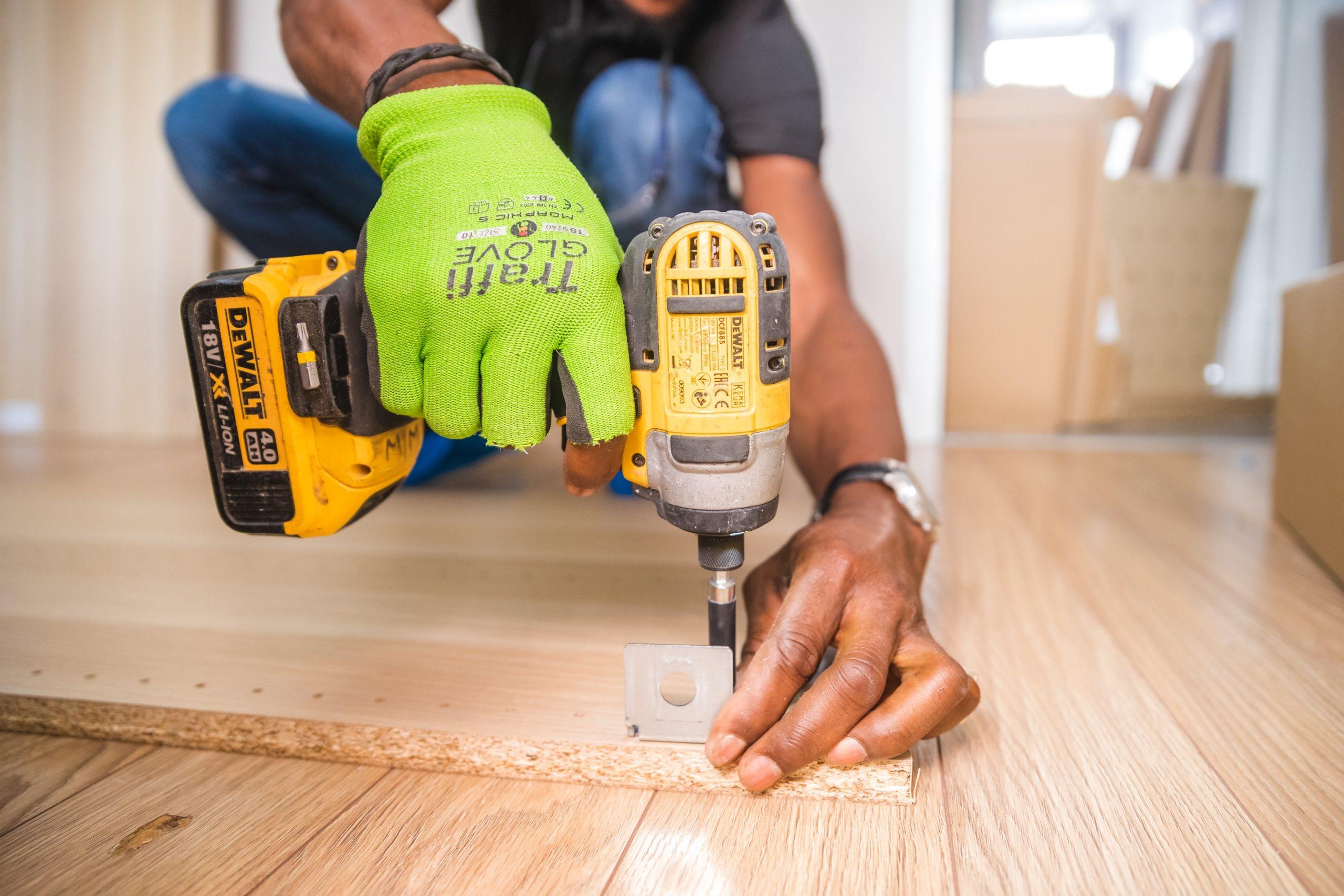 Workman drilling floor
